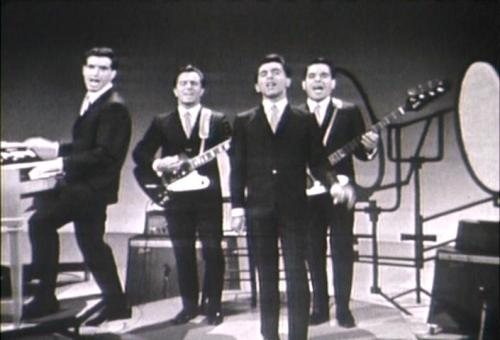 4-seasons-hits-medley-on-broadway-tonight-7-22-1964-101